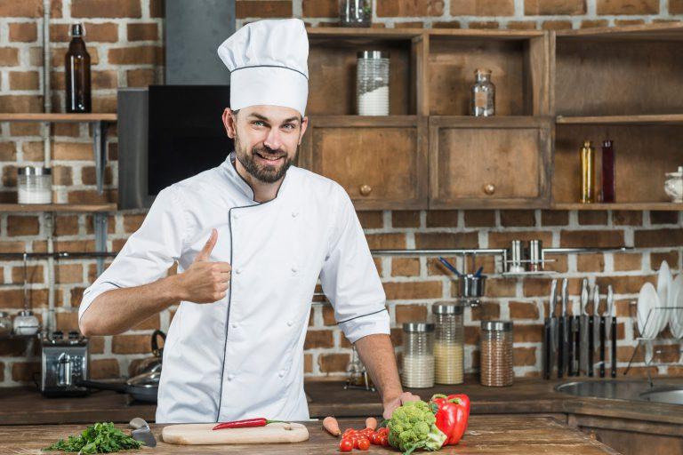 нанять повара в семью